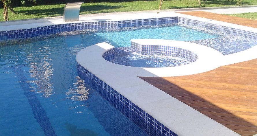 higienização borda de piscina
