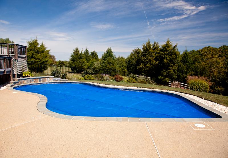 lona de piscina vale a pena