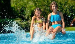 Água da piscina limpa e pronta para uso HTH